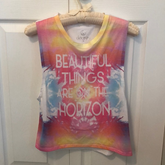 "Decree Tops - Tank Top ""Beautiful Things Are On The Horizon"""